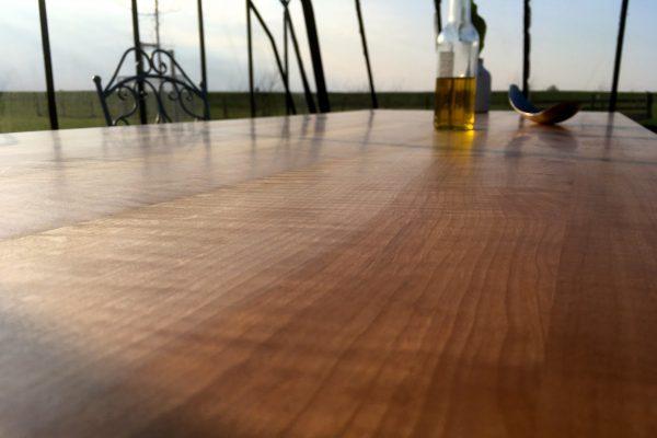 moiré-strijklicht-massief-tafelblad